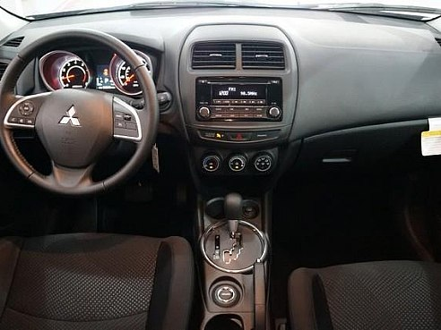rent mitsubishi outlander dubai yes sure car rental. Black Bedroom Furniture Sets. Home Design Ideas